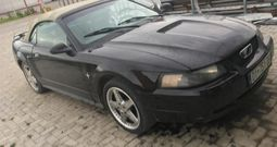 Ford mustang 3.8